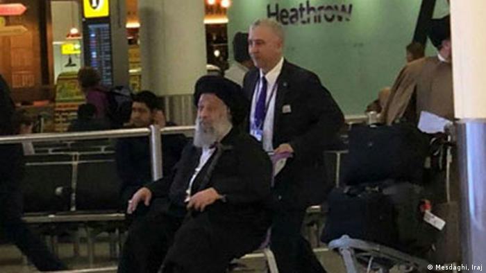 محمدعلی موسوی جزایری در فرودگاه لندن