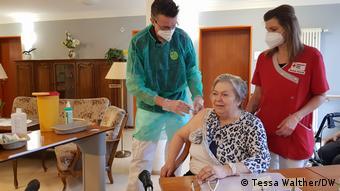Вакцинация в немецком доме престарелых