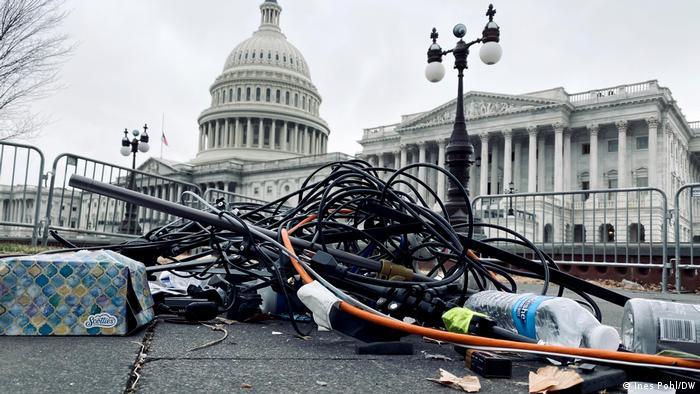 Washington Zerstörtes Journalisten Equipment nach Capitolsturm