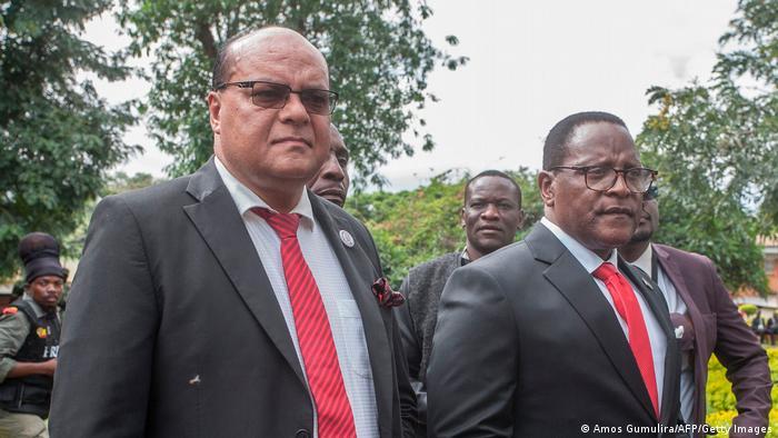 O ministro Sidik Mia e o Presidente Lazarus Chakwera em Lilongwe, em fevereiro