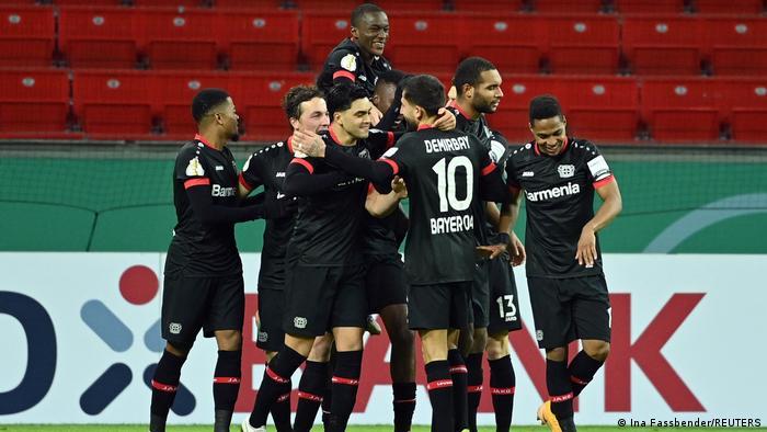 Deutschland DFB Cup |  Leverkusen gegen Frankfurt |  Tapsoba-Tor