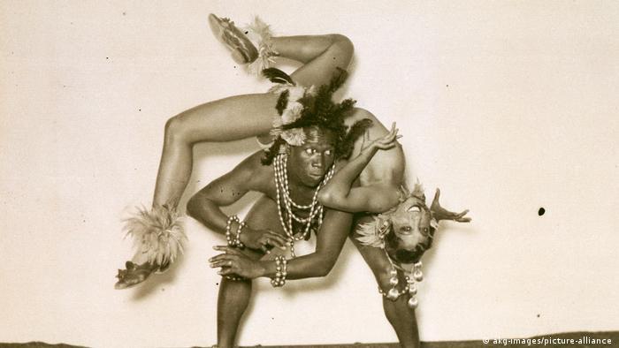 Josephine Baker in einer Tanszene mit einem schwarzen Partner
