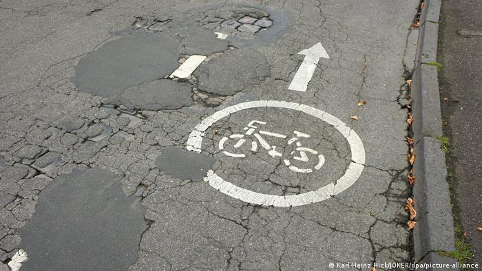 Derutna cesta u Bonnu