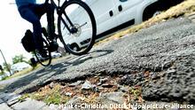 Deutschland I Radweg in schlechtem Zustand