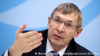 Президент Інституту імені Пауля Ерліха Клаус Цихутек
