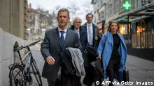 French-Israeli diamond magnate Beny Steinmetz (L) arrives with his lawyers at his trial over alleged corruption linked to mining deals in Guinea on January 11, 2021 in Geneva. - After a drawn-out international investigation, French-Israeli diamond magnate Beny Steinmetz goes on trial in Geneva on January 11, 2021 over allegations of corruption linked to mining deals in Guinea. (Photo by Fabrice COFFRINI / AFP) (Photo by FABRICE COFFRINI/AFP via Getty Images)