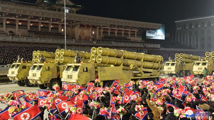 Parade militer Korea Utara (14/01)