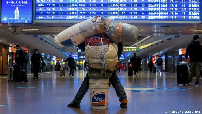 Warga Cina diimbau untuk tidak bepergian selama musim liburan Imlek 2021