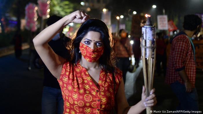 ২০২০ সালের ২৫ নভেম্বরে ঢাকায় জাতীয় সংসদের সামনে নারী নির্যাতন ও ধর্ষণের বিরুদ্ধে প্রতিবাদ