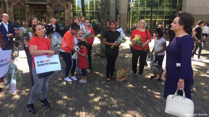 Niederlande   Kindergeldskandal   Demonstration   Alexandra van Huffelen