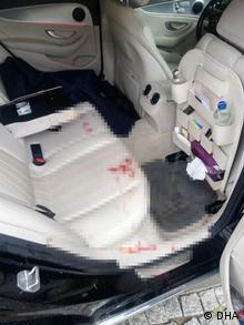 Saldırı Selcuk Özdağ otomobile binerken meydana geldi