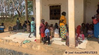 Les conditions d'accueil des réfugiés restent souvent précaires, comme ici, à Garoua Boulaï