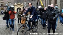 Mark Rutte cycling