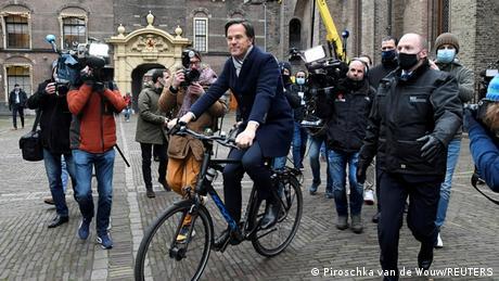 Τα επιδόματα παιδιού έριξαν την ολλανδική κυβέρνηση