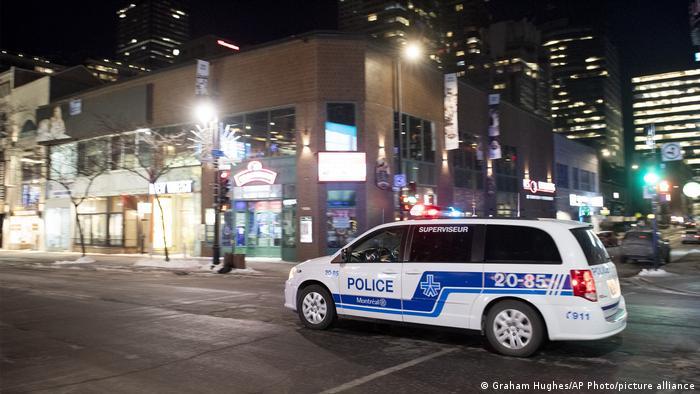 Policija na ulicama Montreala u vreme zabrane izlaska