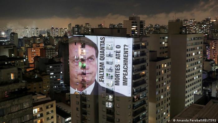 Brasilien Sao Paulo Anti Bolsonaro Projektion Coronapolitik