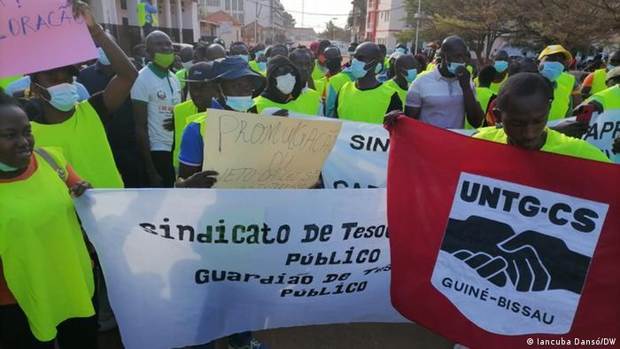 Protesto organizado pela UNTG em Bissau, em janeiro