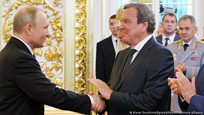 Экс-канцлер Германии Герхард Шредер и президент России Владимир Путин (фото из архива)
