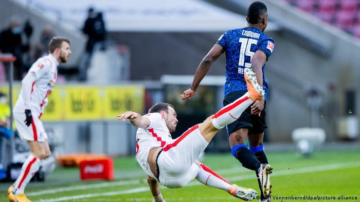 Viel Kampf und Krampf beim Spiel zwischen Köln und Hertha BSC