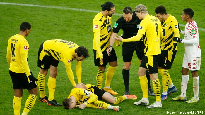 Marco Reus is in pain after an injury
