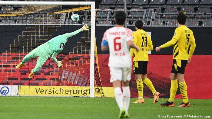 Roman Bürki ist bei der Auslosung von Borussia Dortmund gegen Mainz besiegt