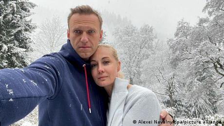 Ehepaar Nawalny beim Spazieren in Deutschland