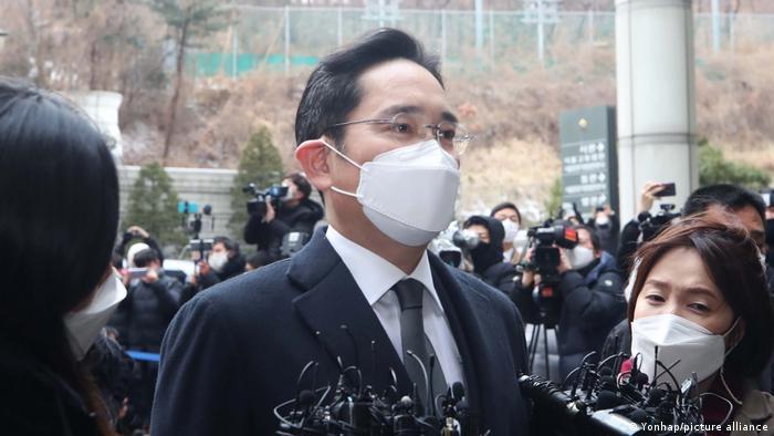 Лі Чже Йон засуджений до ув'язнення за давання хабарів