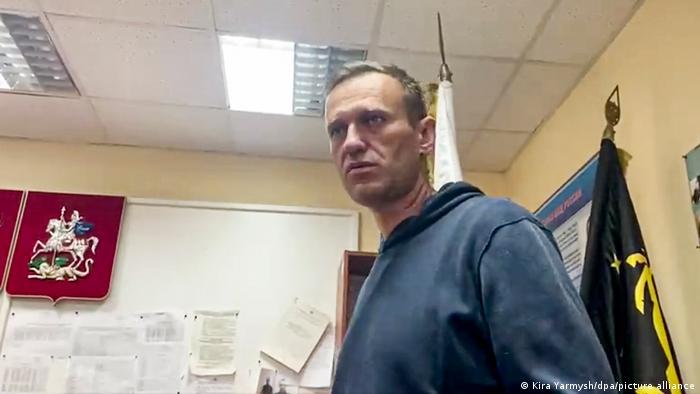 Russland Moskau Alexej Nawalny in der Polizeistation