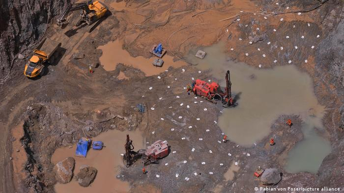 Biedseye view of Sierra Leone's Koidu 1 + 2 diamond mines