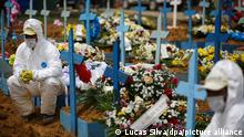 Brasilien Beerdigung von Corona-Toten