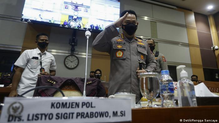 Komjen Listyo Sigit Prabowo jalani uji kelayakan dan kepatutan calon Kapolri di Komisi III DPR RI, Rabu (20/1).