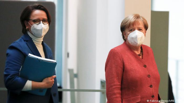 Annette Widmann-Mauz i Angela Merkel