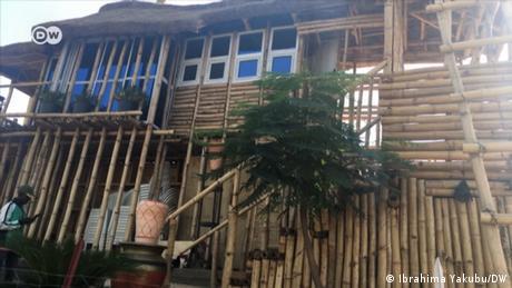 DW Africa Fremdsprachenprogramme | Bambus-Haus
