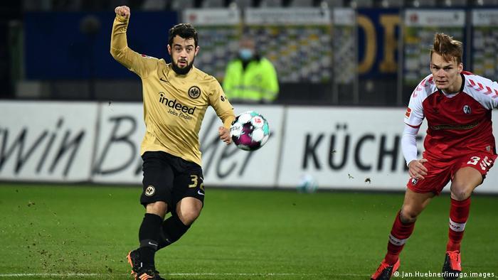 Deutschland Bundesliga SC Freiburg - Eintracht Frankfurt Tor Amin Younes