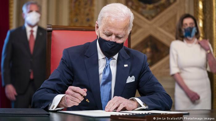 USA Washington | Inauguration | Joe Biden unterschreibt Kabinettsnominierungen im Kapitol