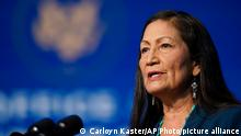 19.12.2020 The Biden administration's nominee for Secretary of Interior, Rep. Deb Haaland, D-N.M., speaks at The Queen Theater in Wilmington Del., Saturday, Dec. 19, 2020. (AP Photo/Carolyn Kaster)