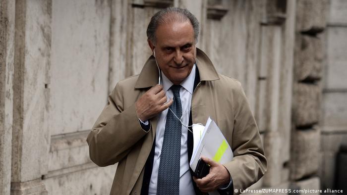 UDC-Chef Lorenzo Cesa wies zuerst die Anschuldigungen zurück - und gab dann seinen Parteiposten auf