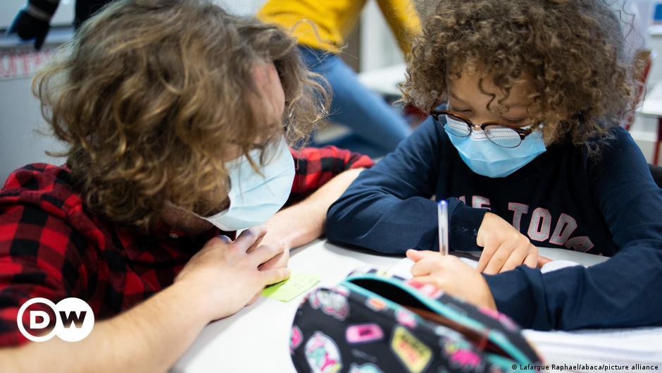 روابط ألمانية تدعو الحكومة والولايات لخطة مرحلية لإعادة فتح  المدارس