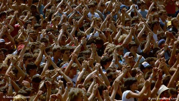 Klatschende Fans (Foto: rock-am-ring.com)