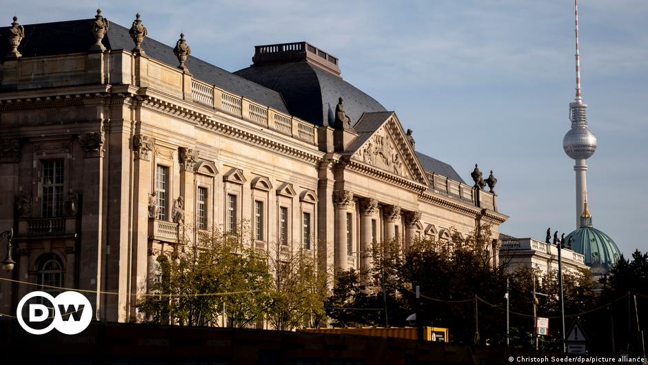 Berlin State Library reopens after long pause