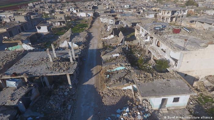 Разрушения после авиаударов в сирийской Хаме