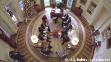 Aufnahme von oben: Oval Office unter US-Präsident George W. Bush im Jahr 2001
