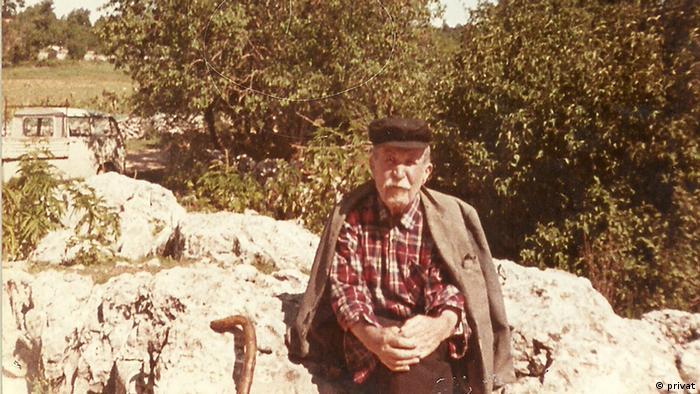 Deda Alema Grabovca u selu Maović