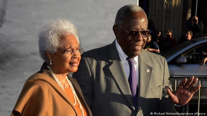 Hank Aaron and his wife Billye attend the premiere of the film '42'