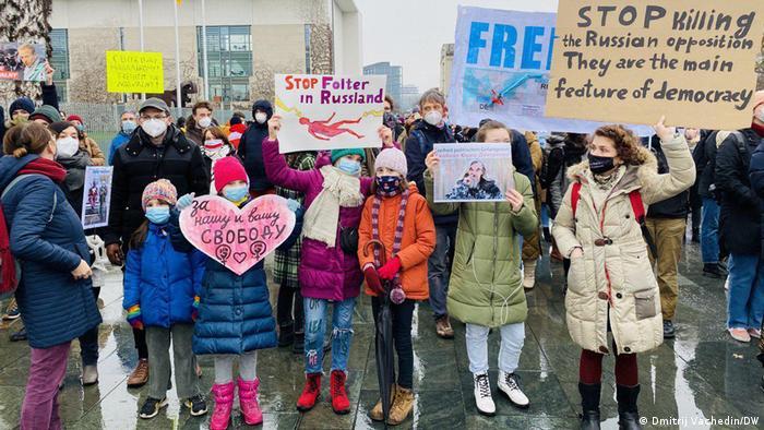 Deutschland Protestaktion für die Freilassung von Nawalny in Berlin