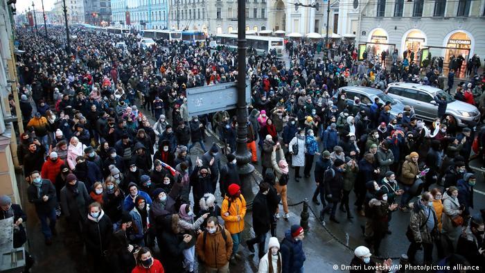 Moskova'daki gösteriye binlerce kişi katıldı