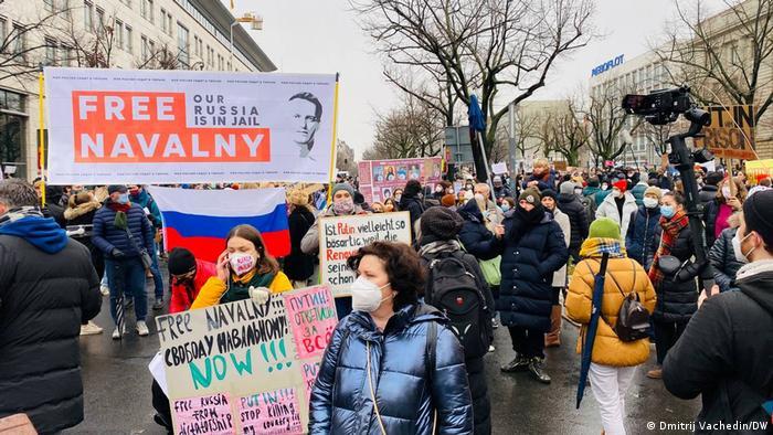 Марш на Унтер-ден-Линден