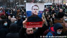 Protesters march in support of jailed opposition leader Alexei Navalny in downtown Moscow on January 23, 2021
