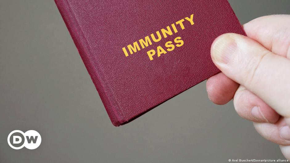 Most Germans keen on COVID vaccination passport