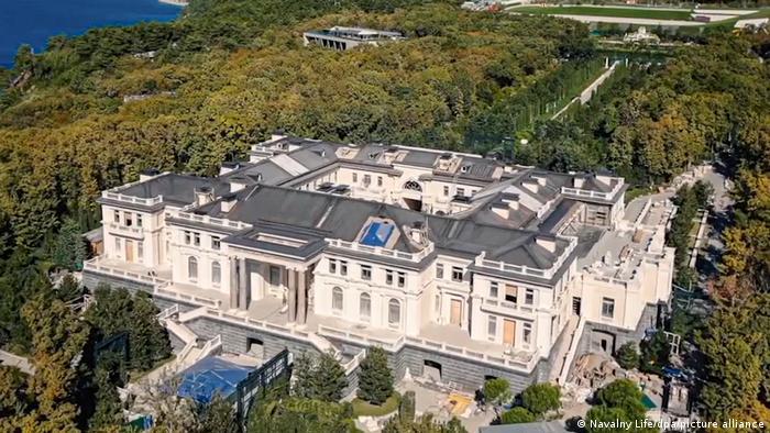 کاخی در سواحل دریای سیاه که تیم ناوالنی می گوید متعلق به ولادیمیر پوتین، رئیس جمهور روسیه است